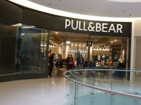 pull and bear mall of scandinavia